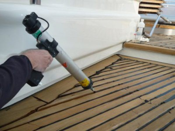 Re-caulking teak decks