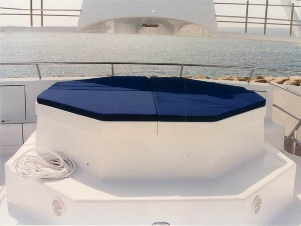 Jacuzzi with cover