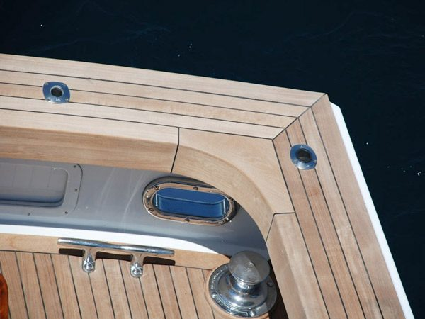 New decks on Motor yachts