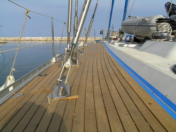New decks on 80′ sailing yacht