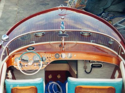 High gloss varnish on a Riva